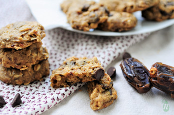 Whole Wheat Chocolate Chip Date Cookies