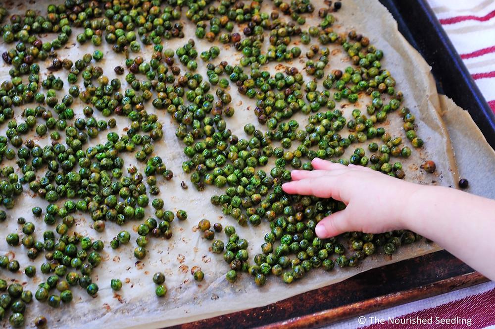 kid-friendly-crunchy-seasoned-roasted-peas