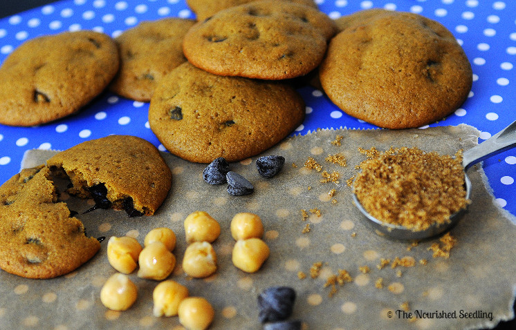 healthy-chickpea-chocolate-chip-cookies