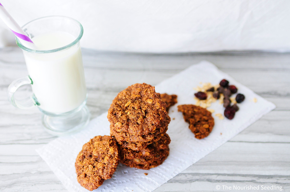 gluten-free-molasses-and-almond-oat-cookies