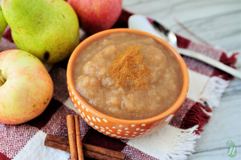 Homemade Slow Cooker Cinnamon Pear-Applesauce