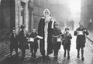 Christmas_at_Wood_Street_1930's.jpg