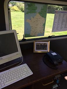 Bureau de policier pour Ca2naS escape game itinérant en Ille-et-Vilaine à proximité de Rennes