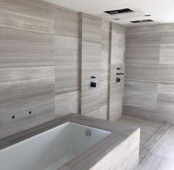 White Wood_Guest Suite  Bathroom_ (2)