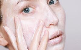 Cómo crear tu rutina de cuidado de la piel después de los 30 años