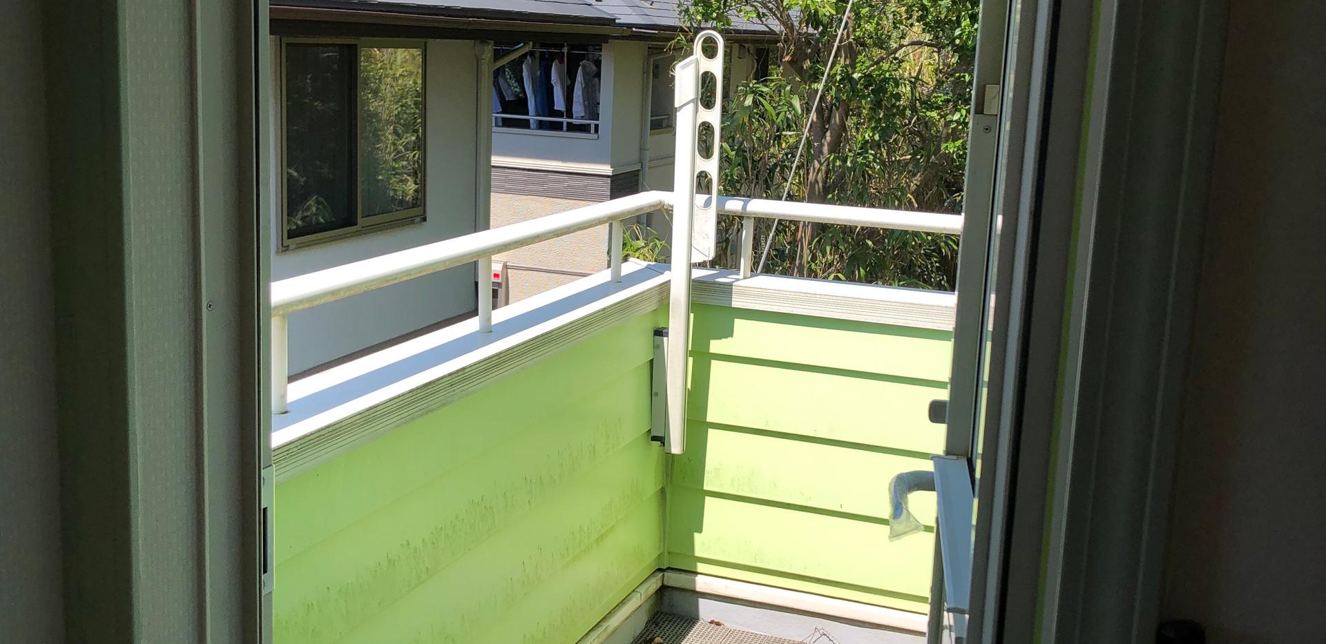 2階キッチン横バルコニー