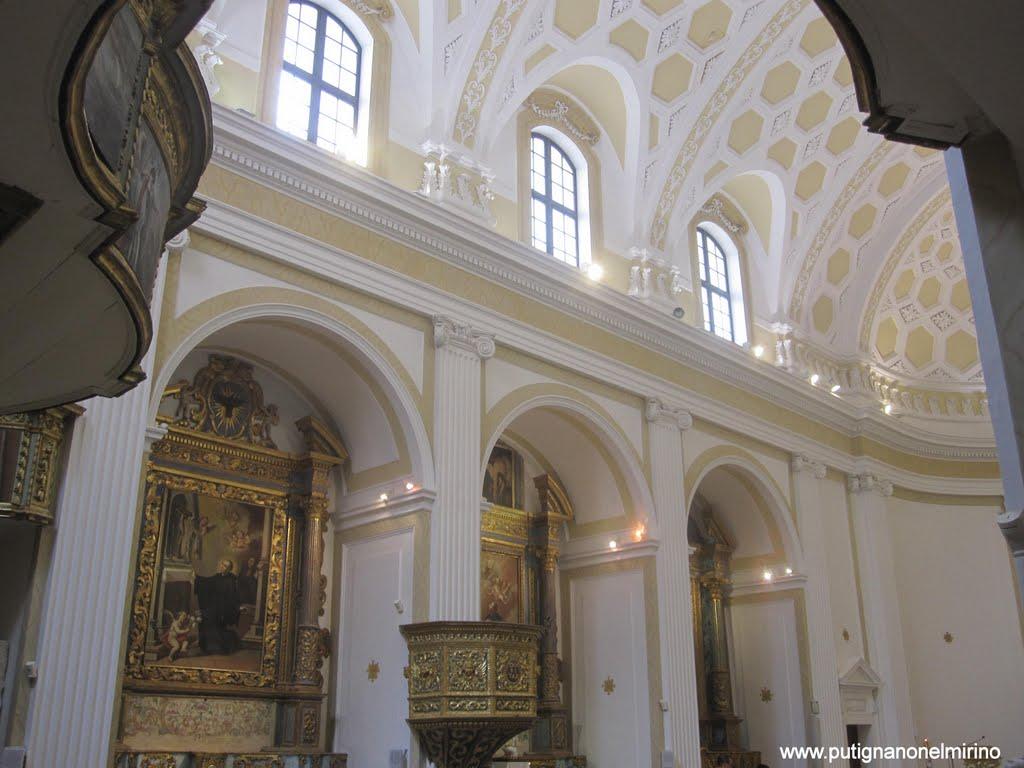 """chiesa dei """"paolotti"""" interno"""