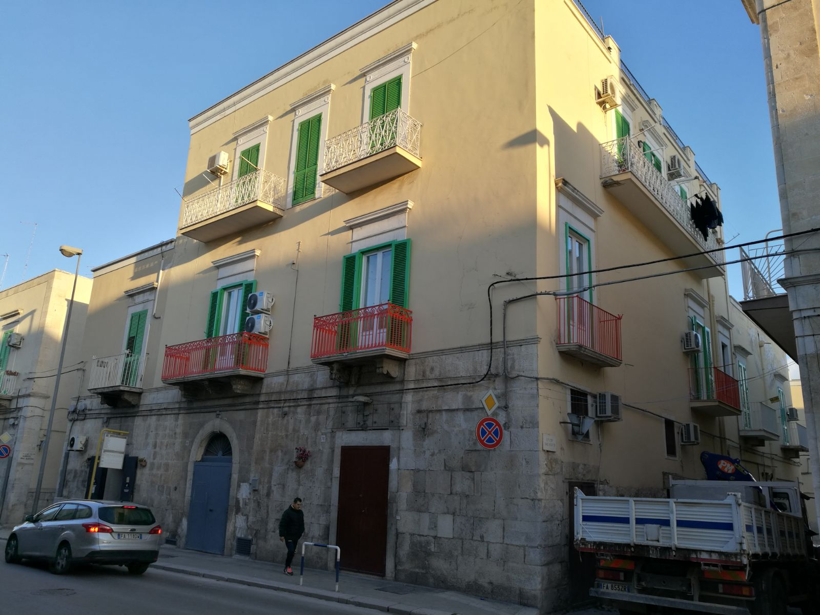 EDIFICIO IN VICO XX MAD. DEI MARTIRI