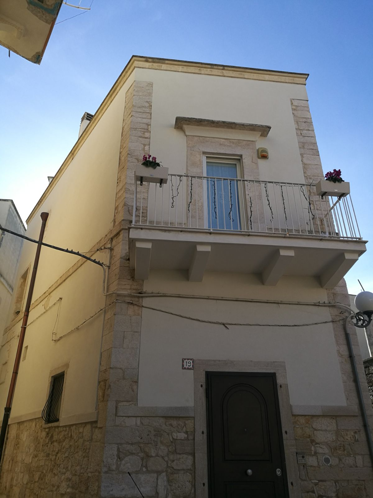 Edificio in Vico I Poli, 17