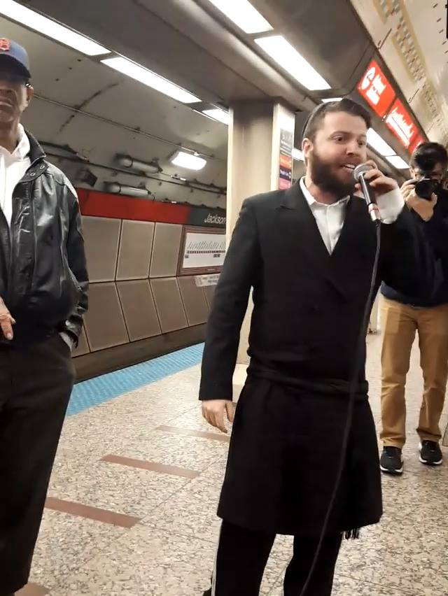 Chassidic Rapper Amazes Crowd In Subway