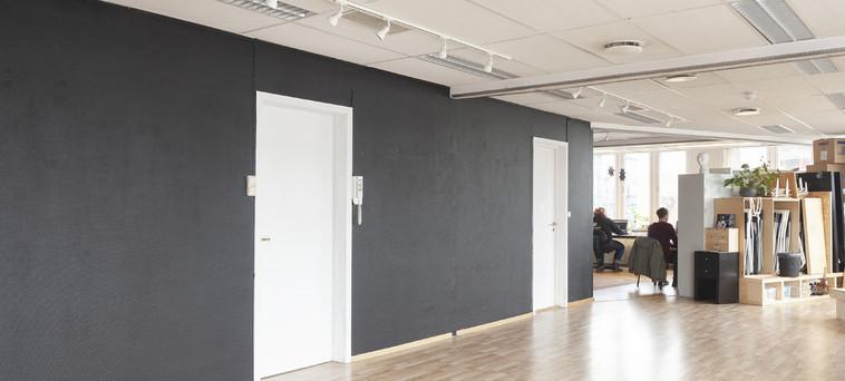 BlankSpace_gallery_BlackWallsweb4.jpg