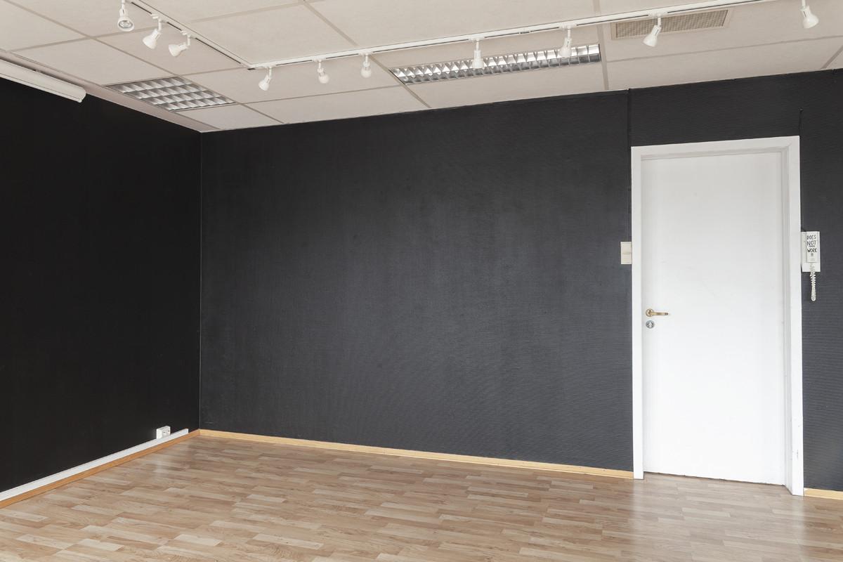 BlankSpace_gallery_BlackWallsweb5.jpg