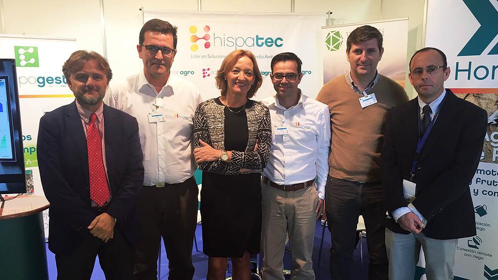 Organizadores de Agwatec junto a nuestro equipo y Doña María del Carmen Ortiz Rivas, Consejera de Agricultura, Pesca y Desarrollo Rural de la Junta de Andalucía.