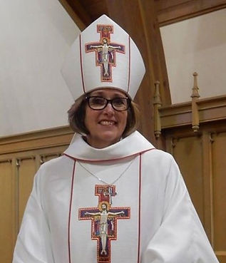 Bishop-Anne-in-full-regalia.jpg