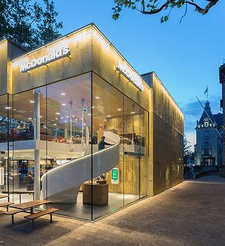 McDonalds-Coolsingel-by-MEI-Architects-a