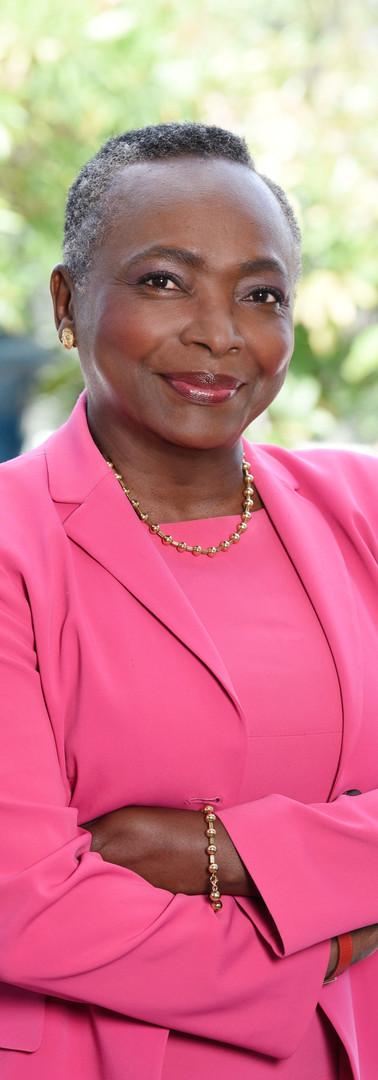 DENISE EPOTE, Présidente d'honneur