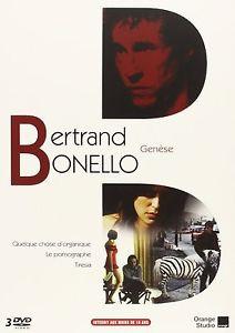 """""""Genèse"""", le coffret émis par Orange (à qui les studios """"Haut et Court"""" ont passé les droits) qui rassemble les trois premières réalisations de Bertrand Bonello. Ce dernier a découvert ce coffret-hommage en même temps que le titre qu'Orange a autonomement choisi."""