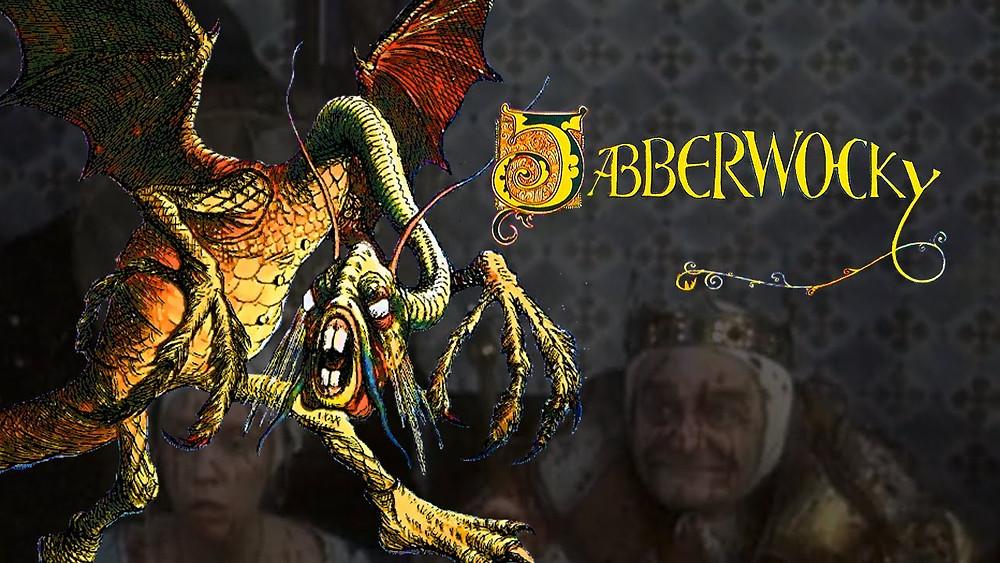 """Le Jabberwocky a prêté son nom au deuxième long-métrage de Terry Gilliam, révérence de ce dernier pour le génie de Lewis Carroll, auteur du sublime """"Alice de l'Autre Côté du Miroir"""", dont est issu cette légendaire créature. Sur la photographie, en fond et flou, nous pouvons aussi discerner Bruno le Douteux (Max Wall), souverain du royaume où se déroule l'intrigue, et dont le nom pourrait aussi être une référence à l'OEuvre de Lewis Carroll et à un des personnages principaux de """"Sylvie et Bruno"""", un autre de ses romans..."""