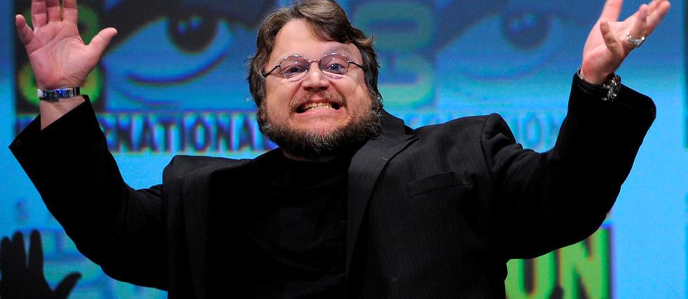 Guillermo Del Toro soulève les foules (en hors-champ haut : elles étaient trop nombreuses pour rentrer dans la photographie) !
