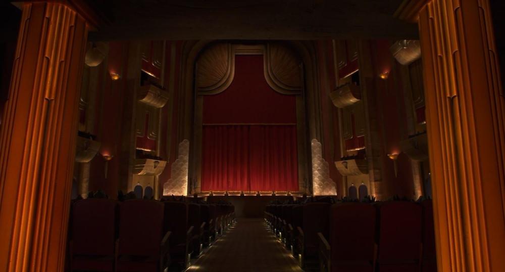 """Salle de Théâtre dans """"Coraline"""", métaphoriquement cachée sous le plancher d'une toile d'araignée folle..."""