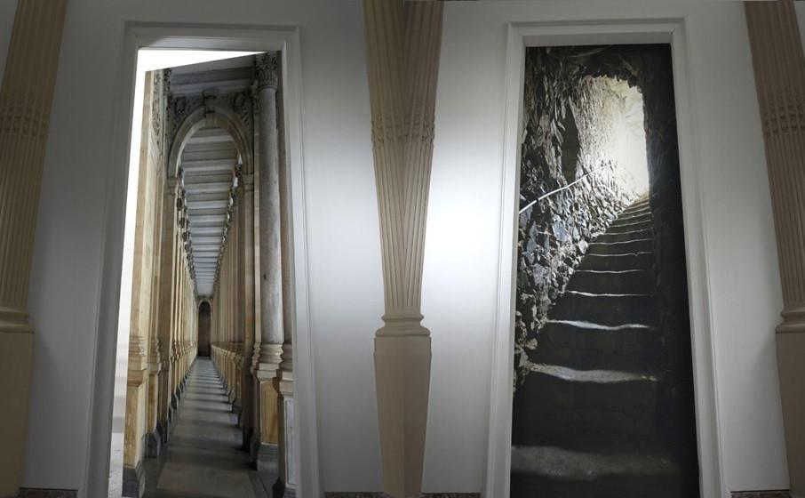 Seulement deux de ces deux portes sont des trompe-l'oeil. Saurez-vous distinguer lesquelles ?