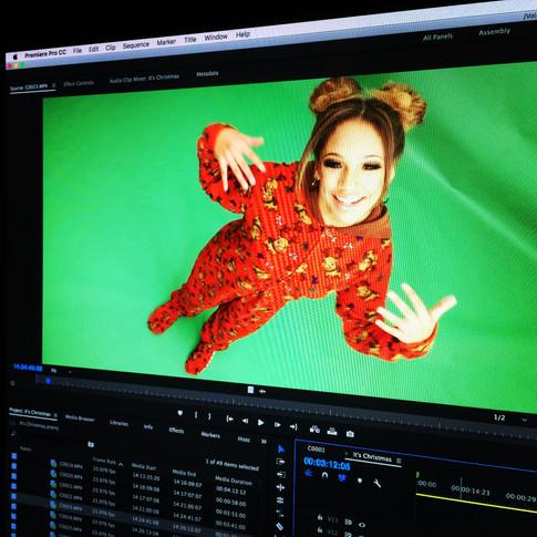 It's Christmas Music Video Editing