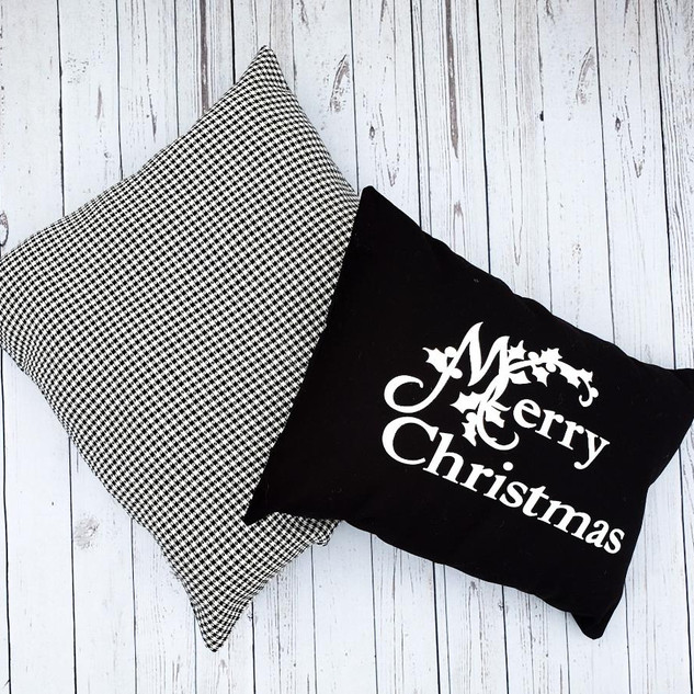 Merry Christmas Black and White Pillow Set
