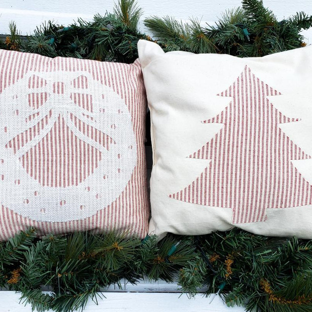 Farmhouse Christmas Pillow Set