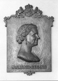 PO17_Koningin_Juliana(reliëf)