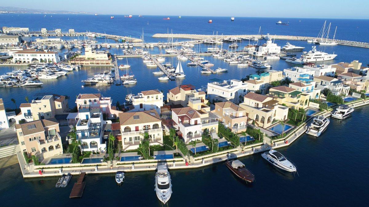 Limassol Marina 2 NavInvest Cyprus.jpg