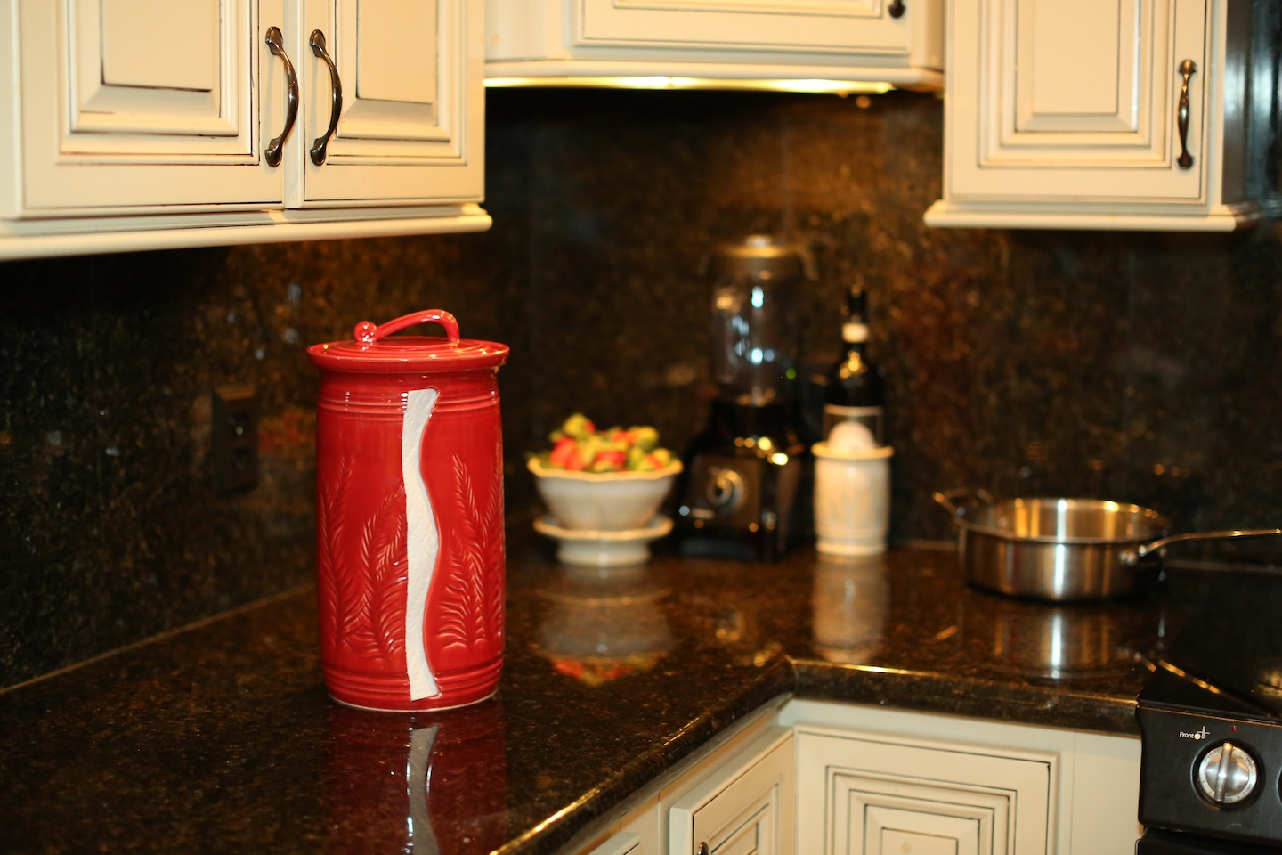 countertop-paper-towel-holder