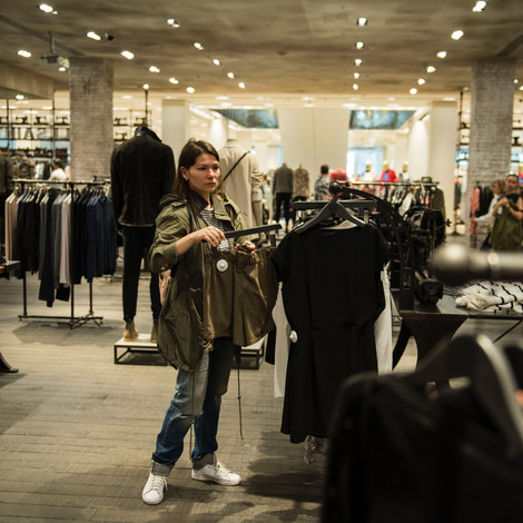 Tips & Guidelines For Women's Apparel Stores