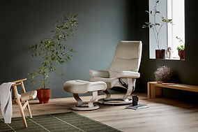 Stressless Furniture | View Recliner - Classic Base - Paloma Leather | Color - Fog White