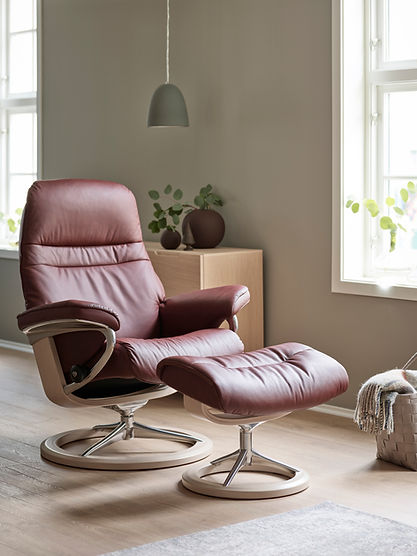 The Sunrise takes Stressless® back to its roots. The superstar of comfort among the Stressless® recliner lineup, the Stressless® Sunrise is the ultimate in Stressless® craftsmanship. The Stressless® Sunrise recliner design is available in multiple versions, leathers, and sizes, customize your own today at Furniture Solutions in Appleton, WI.