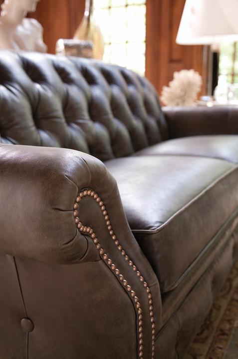 396-B-room-leather-group-11.jpg