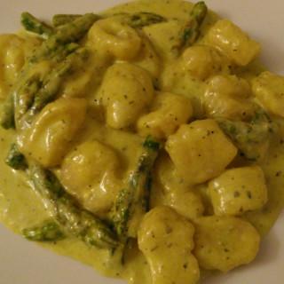 gnocchi di patate con asparagi