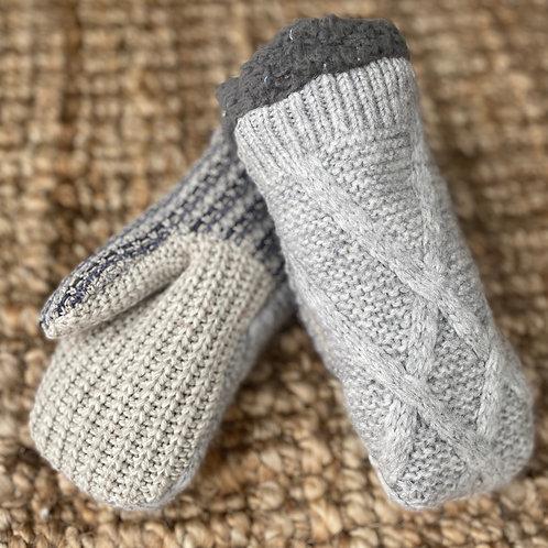 Adult Medium Sweater Mittens