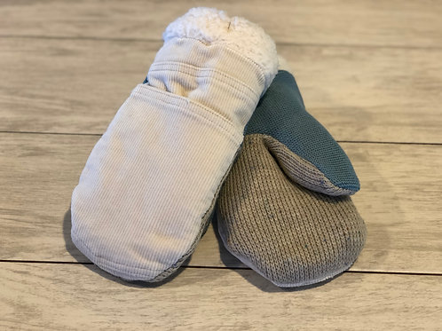 Adult Medium Corduroy/Sweater Mittens