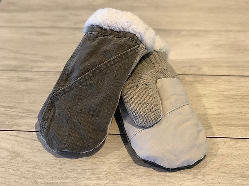 Adult Medium Jean/Sweater Mittens