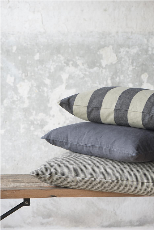 5 0 X 5 0 BEIGE & BLACK PATTERNED FEATHER CUSHION