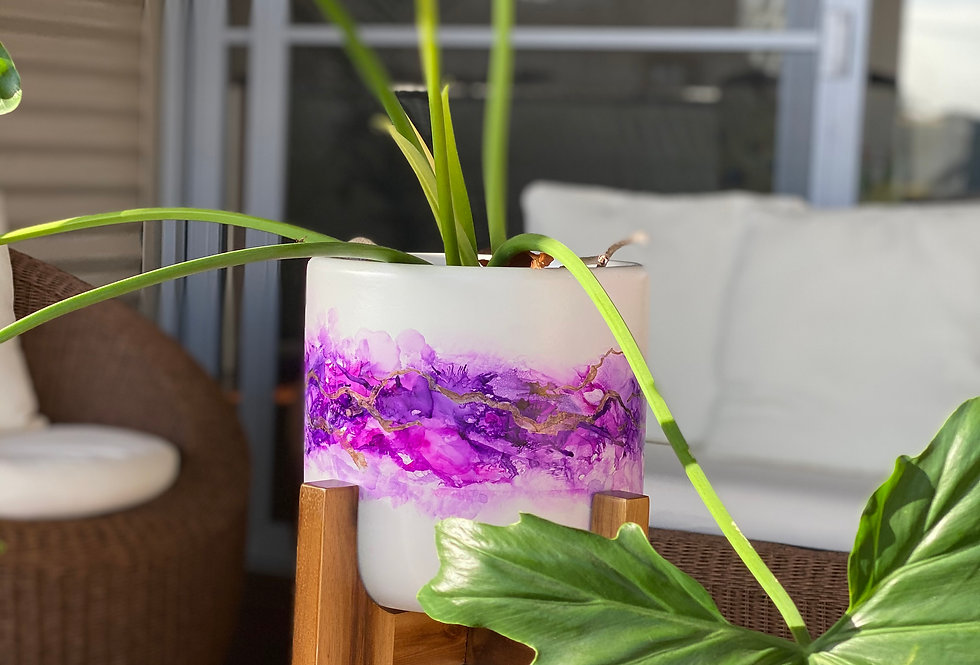 Large pot with stand