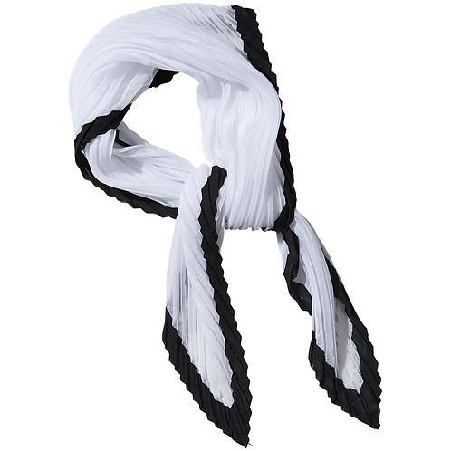 Black & White Crinkle Diamond Scarf
