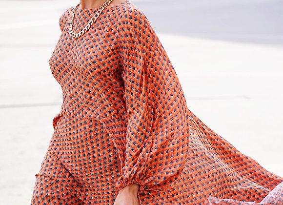 Платье свободного кроя из вискозы.