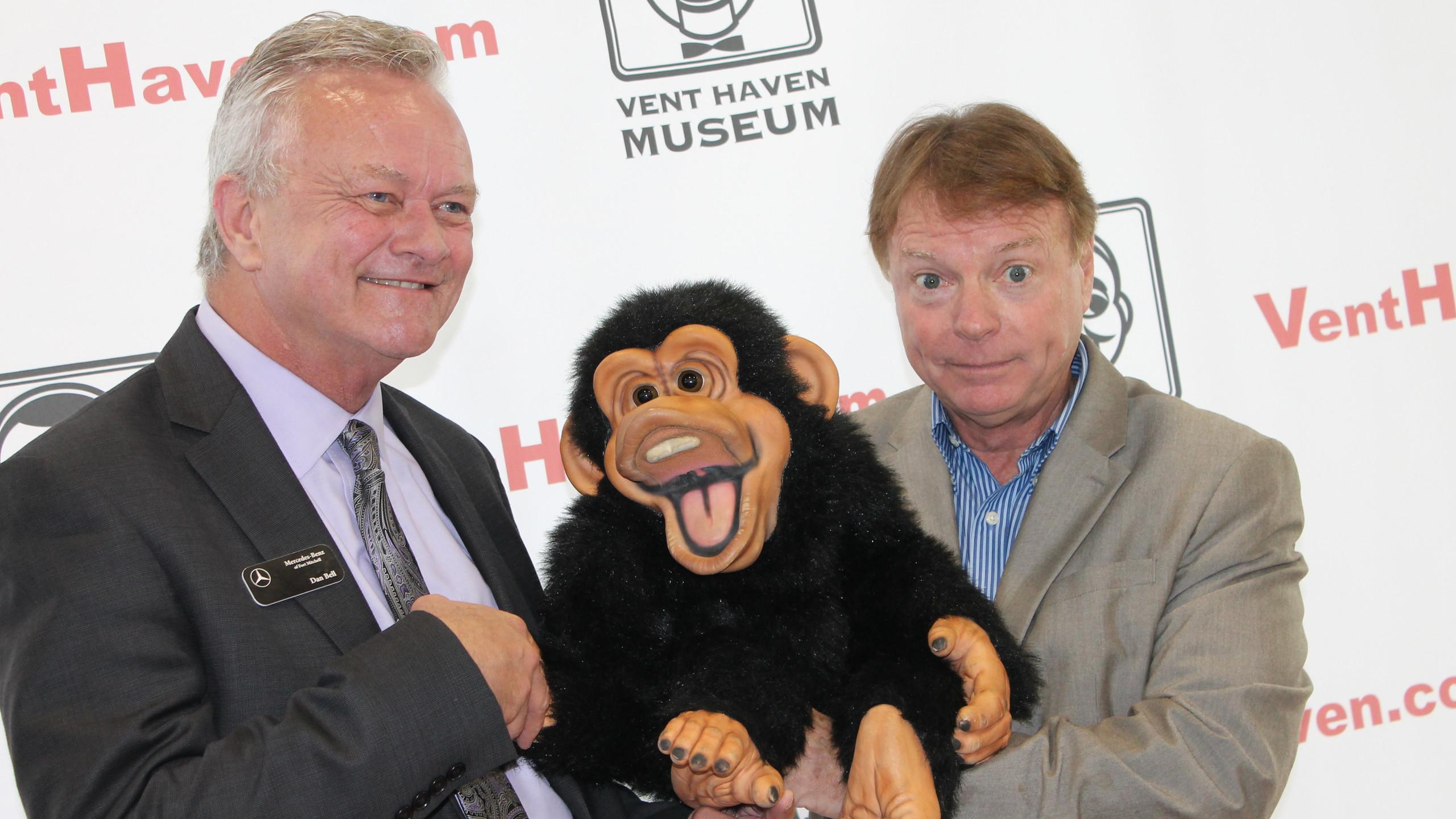 Dan Bell meets Jay Johnson & friend