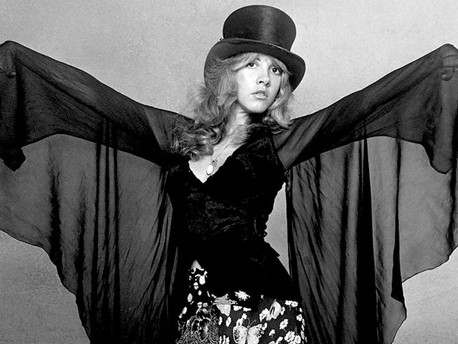 El legado de Stevie Nicks, la única mujer en ingresar 2 veces al Rock N Roll Hall of Fame
