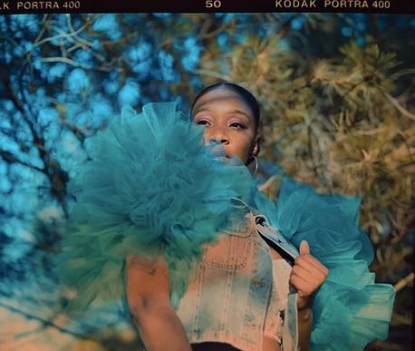 """La cantautora y productora Sydney Ranee' (L.A.) estrena el tema """"Complicated"""", R&B/Funk del bueno"""