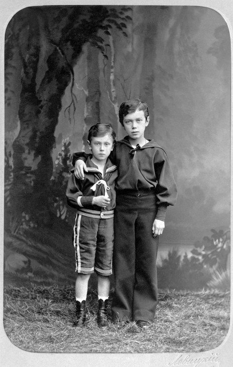Με τον αδελφό του Γεώργιο