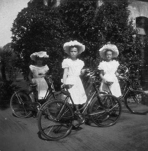 Από αριστερά: Μαρία, Όλγα, Τατιάνα.