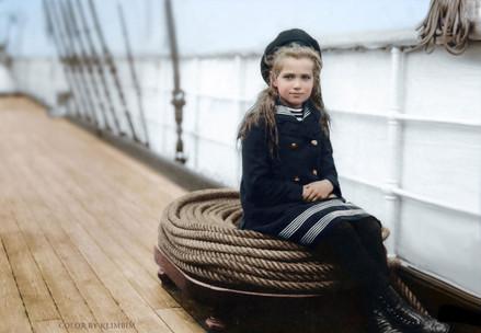 grand-duchess-maria-on-standart------_30