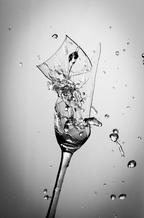 Gebrochenes Glas
